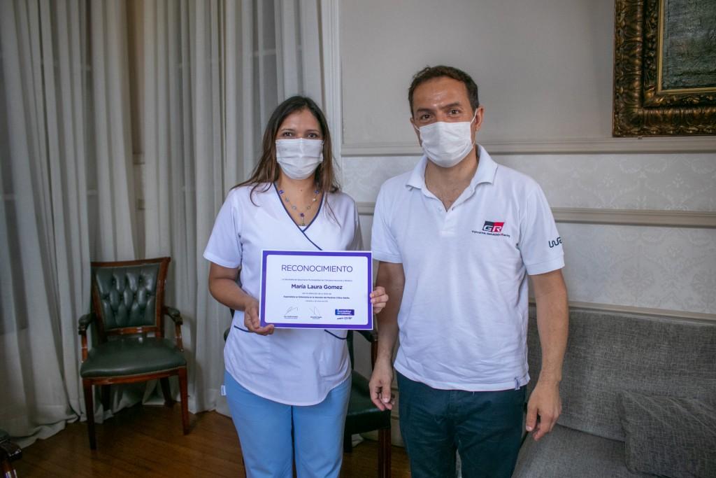 El Intendente reconoció a la primera enfermera del hospital especializada en cuidados críticos