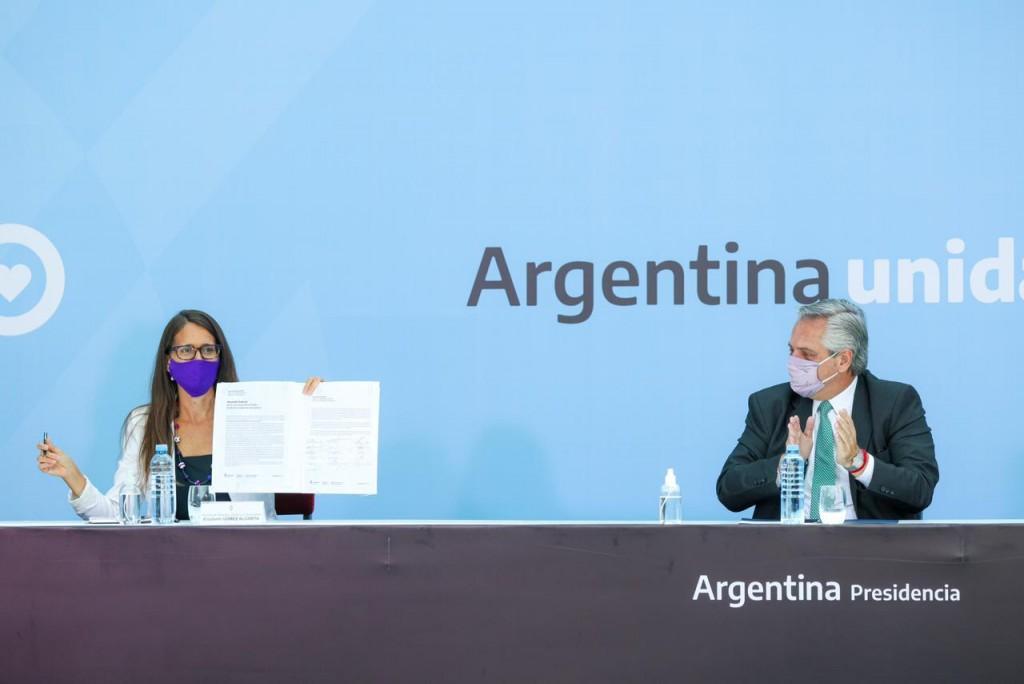 Firma de acta con gobernadores y gobernadoras en el Día Internacional de las Mujeres Trabajadoras