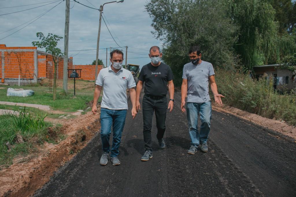 El Municipio colocó asfalto recuperado en calles de Los Nogales