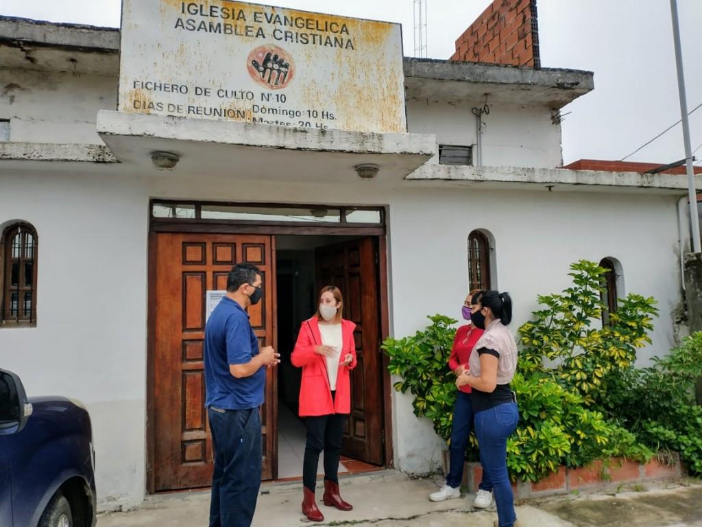 Asamblea Cristiana y Creando Nexos se unen  en una campaña de abrigo a familias
