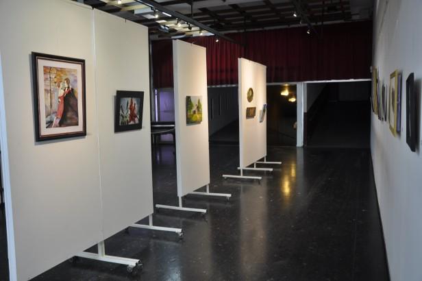 """Permanece en exposición la Muestra del Taller de Pintura """"El Bosque"""""""