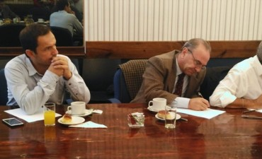 Abella e intendentes compartieron un desayuno de trabajo con el ministro de economía
