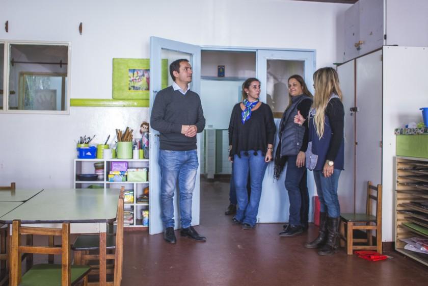 El Intendente recorrió jardines de infantes para constatar obras realizadas por el Municipio