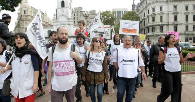 Gobierno bonaerense se reunirá el lunes con docentes