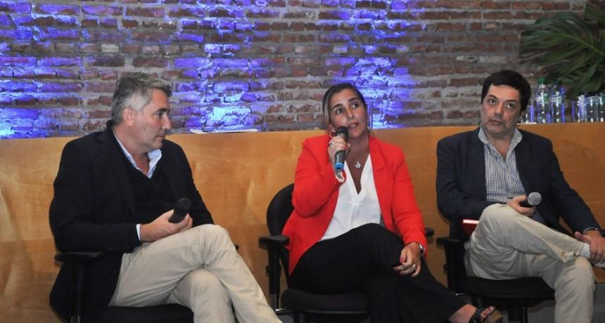 """Schvartz:""""El Intendente está convencido que la educación es la mejor herramienta para lograr la transformación en la ciudad"""""""