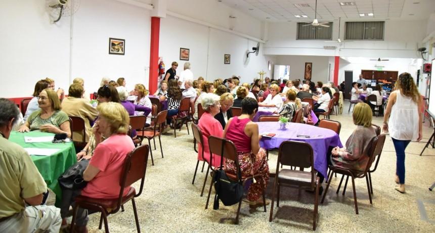 Adultos mayores participaron del primer encuentro de Café con A.L.M.A