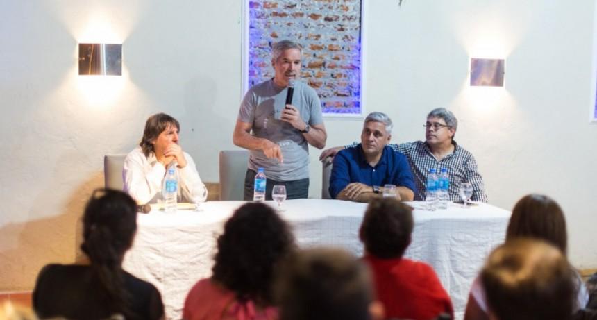 Marco Colella participó de acto con Felipe Solá en Lujan