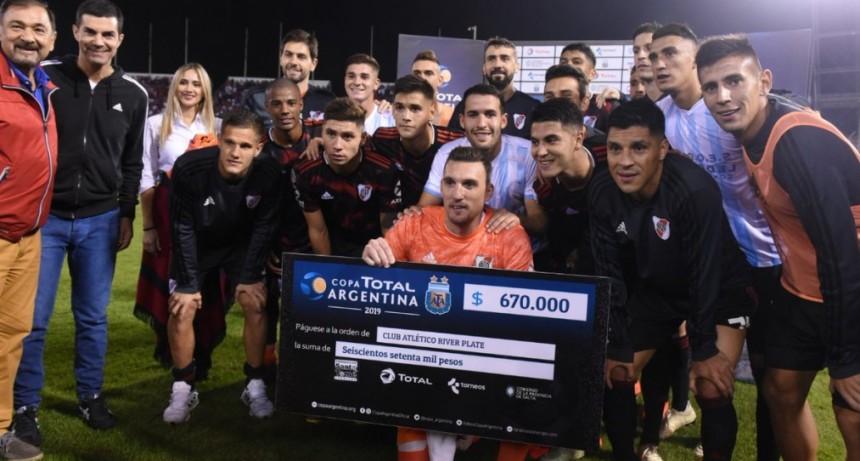 River Plate comenzó el camino con una victoria en Salta