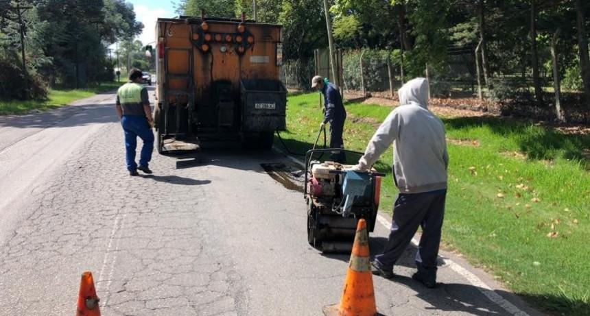 El Municipio ejecutó nuevos trabajos de bacheo sobre ruta 4