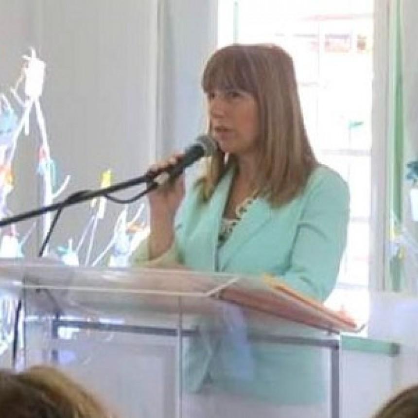 Gladys Dalprá : cumplimos con la entrega de módulos de alimentos y cuadernillos para la continuidad pedagógica