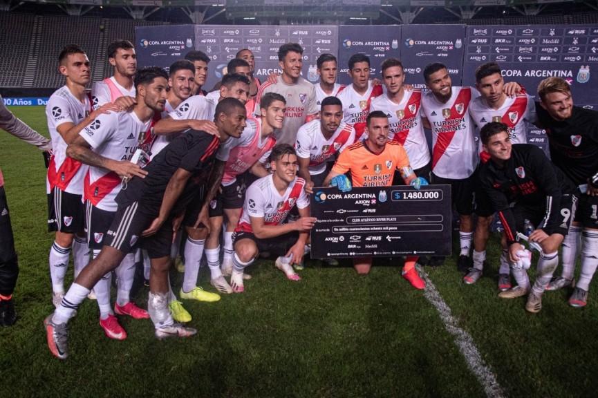 River repitió la historia ante Atlético Tucumán y jugará el Superclásico con Boca en Octavos de Final