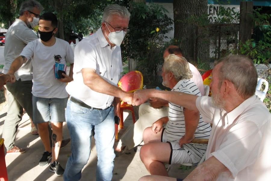 Romano : Mayores de 60 años que hayan perdido su turno podrán vacunarse igual