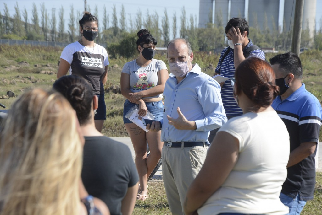Exitosa jornada de la inscripción a los cursos de empleo en San Cayetano