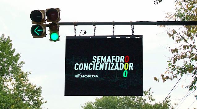 SEMÁFORO CONCIENTIZADOR  : UNA INICIATIVA DE HONDA SAFETY
