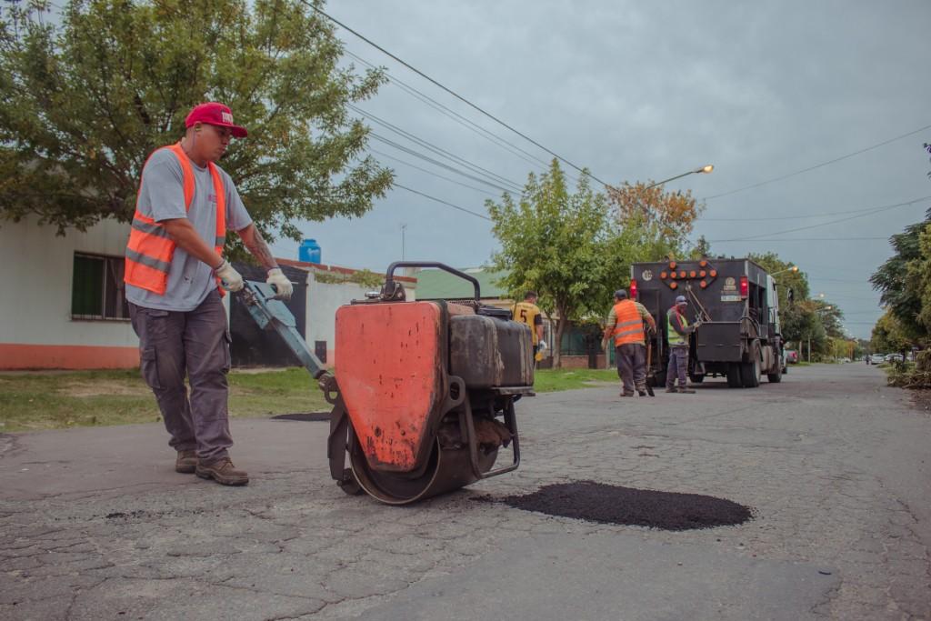 Se realizaron tareas de bacheo en Villanueva