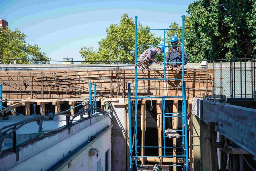 Tenaris construye cuatro nuevas aulas en la Escuela Secundaria Técnica Nº2 de Zárate