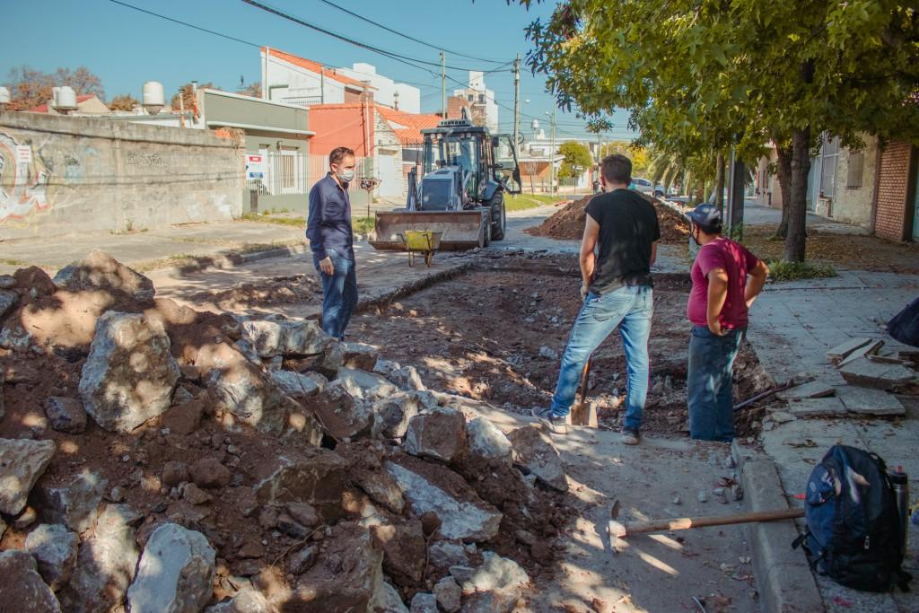 Realizan importantes trabajos de reparación del hormigón en la calle Coletta