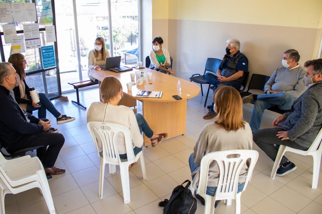 Reunión entre autoridades de Salud y representantes de clínicas privadas para reforzar el trabajo en conjunto ante la segunda ola