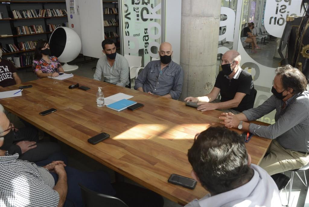 Importante reunión entre funcionarios municipales y representantes de la UIC