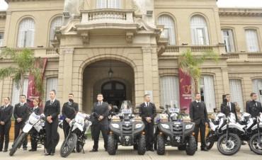La Intendente Giroldi entregó 4 nuevas motos a la Policía Local y 2 cuatriciclos a la Comisaría Primera de Campana
