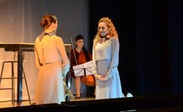 Con la actuación de Juana Viale finalizó AcercArte en Campana