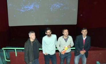 El Intendente acompañó la presentación de las mejoras en el Cine Campana