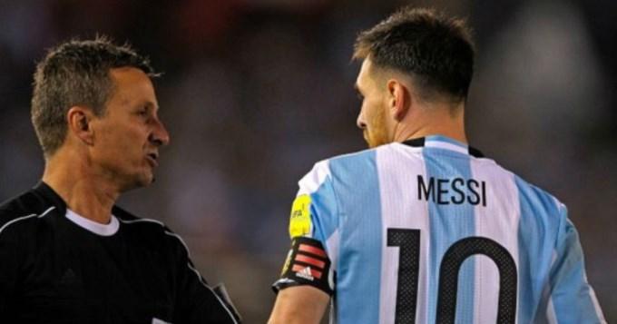 Messi pidió a la FIFA que le den por cumplida su sanción