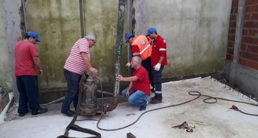 Instalan una bomba de desagüe para evitar anegamientos en la zona del bajo