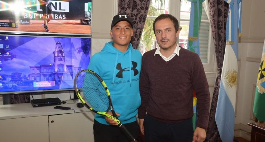 Abella recibió a Hugo Suárez antes de su viaje a Francia