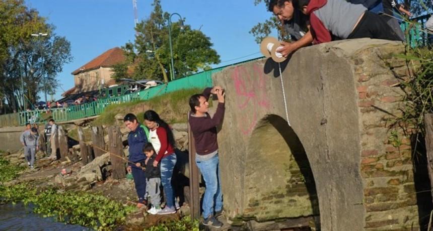 Se inspeccionó el estado de la cañería maestra que une la zona céntrica con el río Paraná
