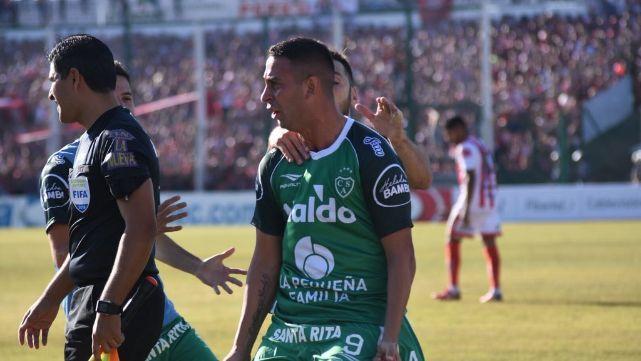 Sarmiento venció a San Martín de Tucumán por 1 a 0