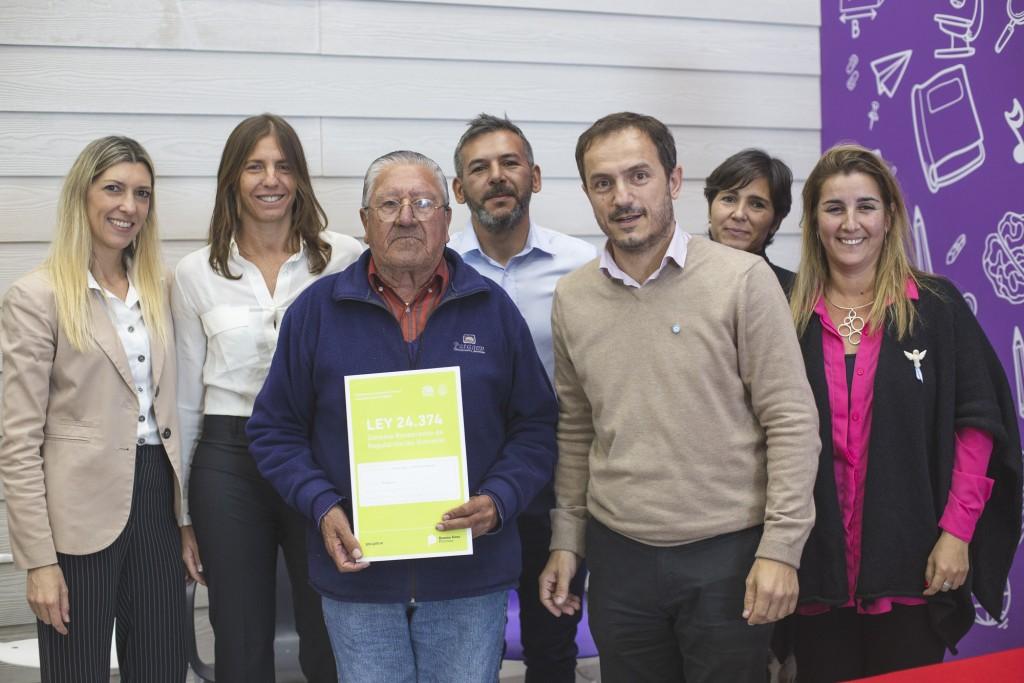 El Intendente entregó escrituras a 70 familias campanenses
