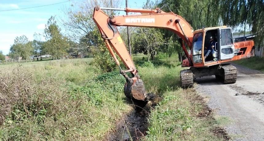 Se realizaron tareas de saneamiento en el barrio Santa Lucía