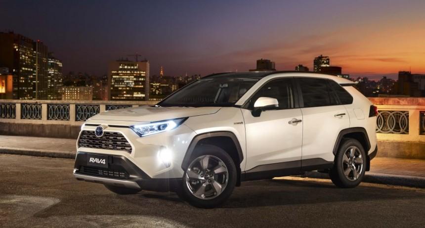Toyota Argentina amplía su line-up híbrido y estrena equipamiento de seguridad con la Nueva RAV4