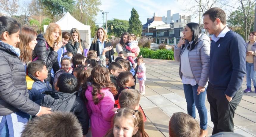 Instituciones educativas visitaron la Nueva Biblioteca y el avión Pucará