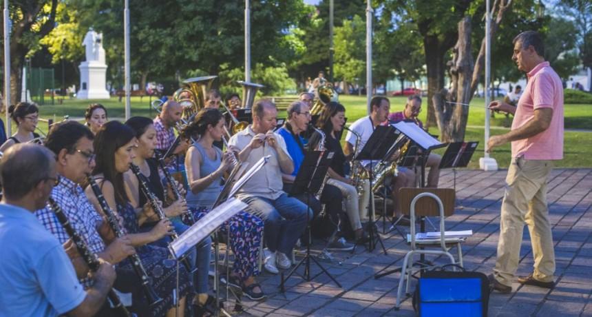 En su 75º aniversario, la Banda Municipal tocará con Marcelo Barrientos