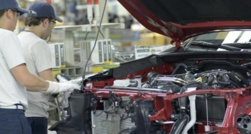 SMATA negocia alternativa de suspensiones en Honda y advierte por la situación de Toyota