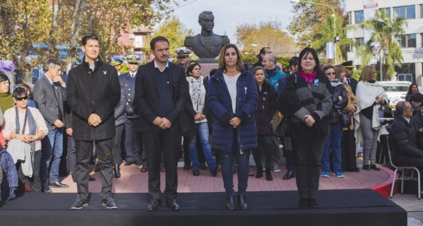 Campana celebró el 209º aniversario de la Revolución de Mayo