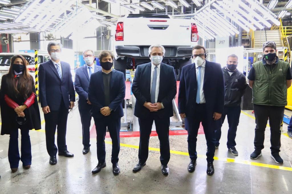En Zárate dio positivo un trabajador en la planta de Toyota que visitaron Alberto Fernández y Axel Kicillof