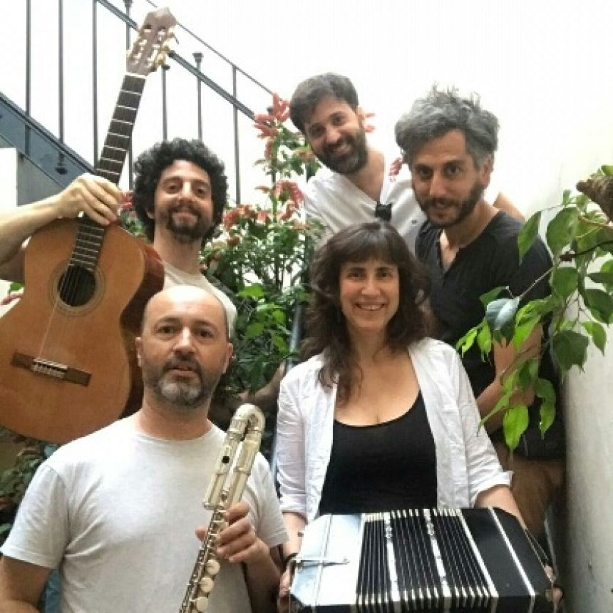 Salmuera presenta su disco en esta banda integrada por el campanense Nicolás Cianis