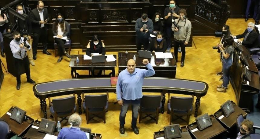 Asumió Claudio Dellecarbonara en la Cámara de Diputados bonaerense
