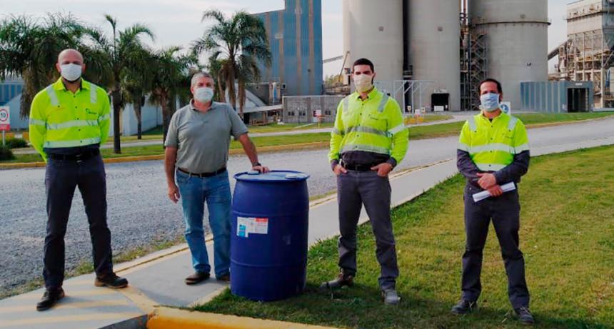 Holcim Argentina entrega alcohol en gel para personal de Salud en Campana