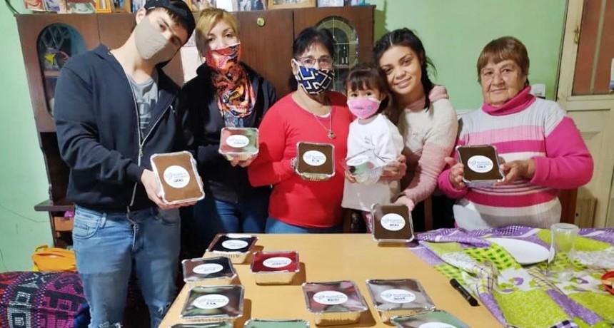 Vecinos organizan una red solidaria gracias a la cual comen 1000 personas cada Sábado