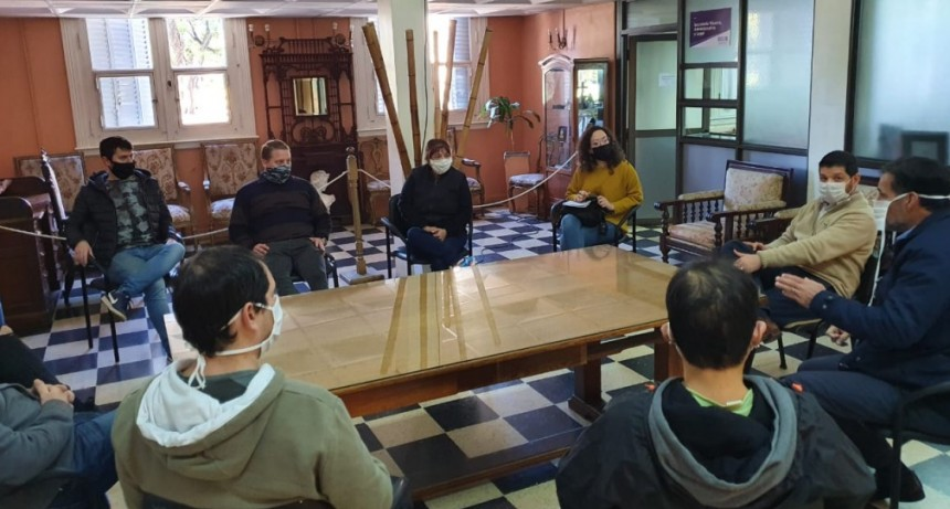 Funcionarios se reunieron con representantes de joyerías locales