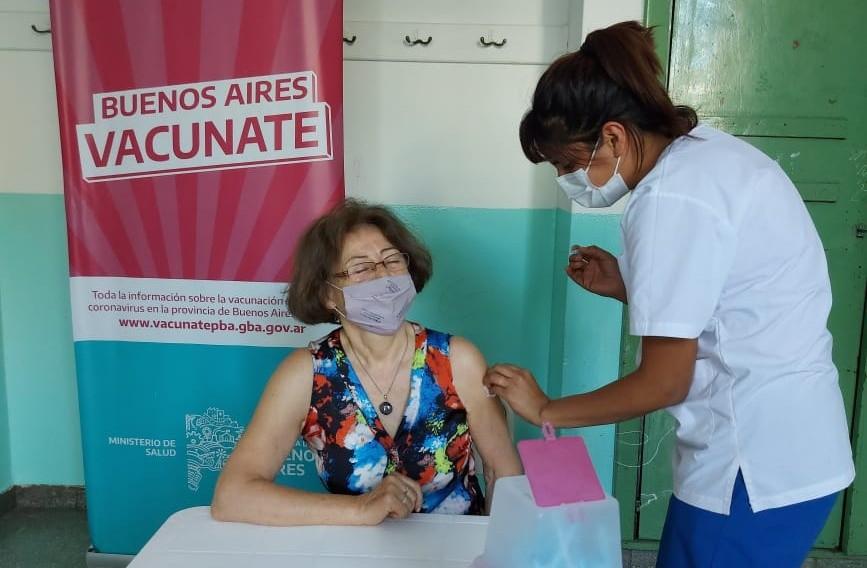 Comenzó la convocatoria a vecinos para recibir  la segunda dosis de la vacuna Sinopharm
