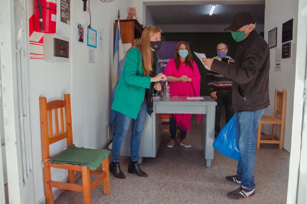 Adultos mayores en situación de vulnerabilidad recibieron asistencia alimentaria