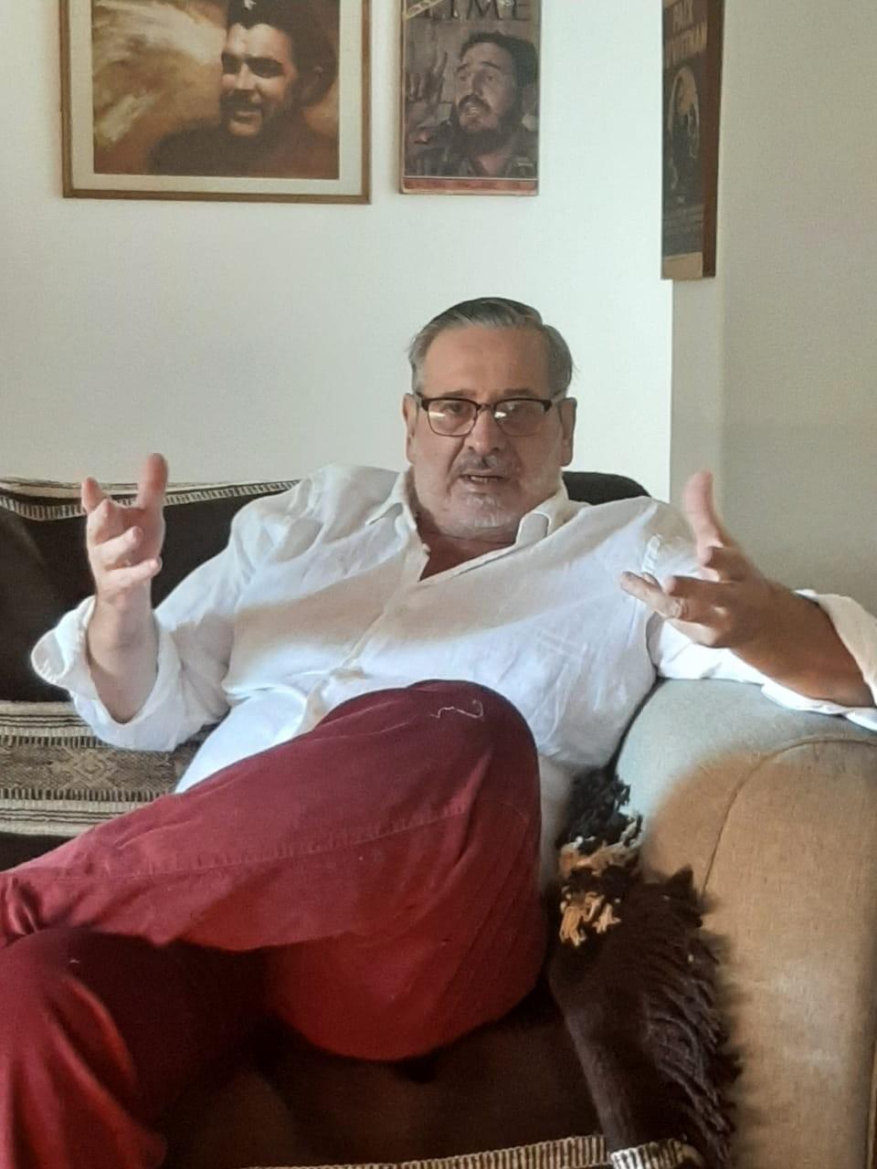 Parravicini :  En medio de un récord de contagios, Abella embauca a los vecinos para iniciar su campaña electoral