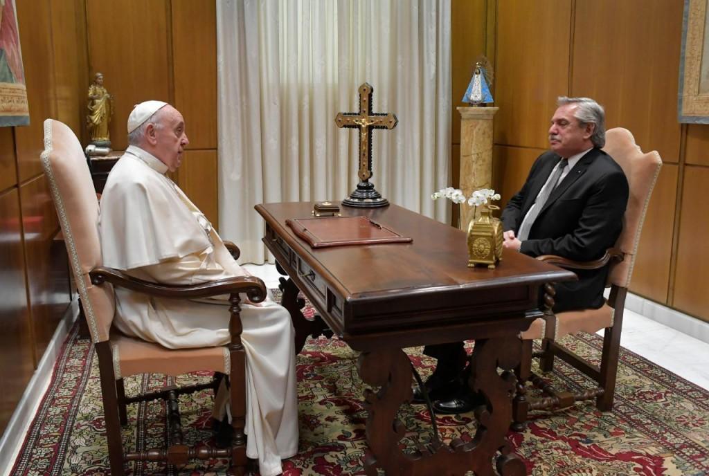 El Presidente fue recibido por el Papa Francisco en el Vaticano