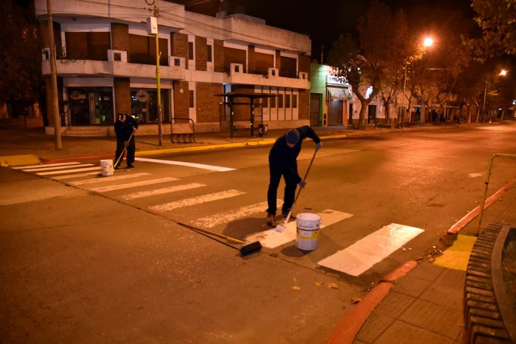 Siguen las tareas de demarcación vial en calles y avenidas de la ciudad