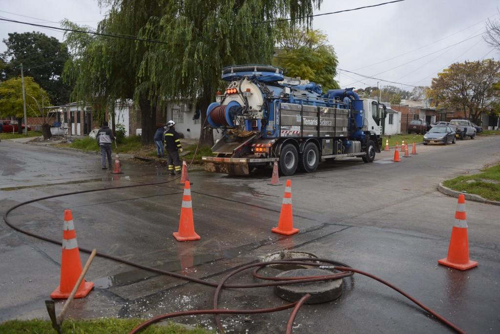 El Municipio realizó la limpieza y desobstrucción de desagües en distintos puntos de la ciudad